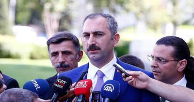 Adalet Bakani Gül'den faşizm virüsüne en güzel gol benzetmesi