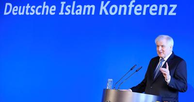 Seehofer'in başkanlığında Almanya İslam Konferansı