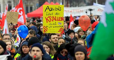 Almanya'da uyarı grevileri devam ediyor
