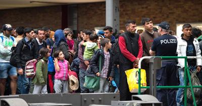 Almanya'da sığınmacılara yaş tesbiti tartışması