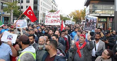 Almanya'da Arakan saldırıları protesto edildi