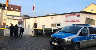 Almanya'da bir camiye daha molotoflu saldırı
