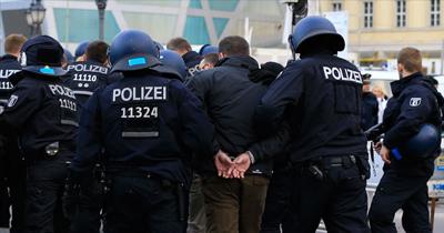 Alman polisi aşırı sağcılara operasyon düzenledi