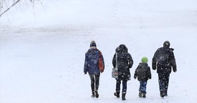 Almanya'da kar yağışı yüzünden aksamalar yaşanıyor
