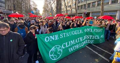 Köln'de küresel iklim grevi yürüyüşü düzenledi