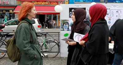 Müslüman kadınlara ayrımcılığa karşı sokak etkinliği