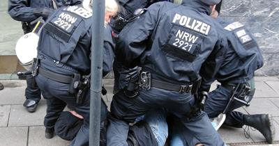 Almanya'da yeni yasayla polise özel yetki