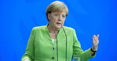 Merkel ırkçılık konusunda öz eleştiri yaptı