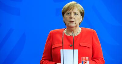 Merkel NATO Zirvesi'ni değerlendirdi