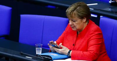 Merkel, Çin Devlet Başkanı ile telefonda görüştü