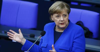 Merkel'den AB'nin sığınmacı politikasına eleştiri