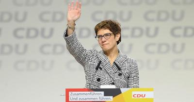 CDU'nun yeni patronu Karrenbauer oldu