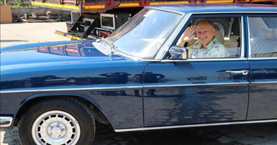 Alman sürücü aracını Türkiye'de boyatmak için geldi