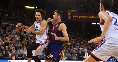 Anadolu Efes Barcelona'yı deplasmanda farklı yendi