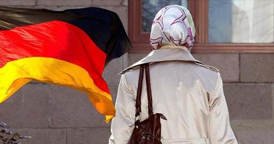Berlin'de hamile başörtülü kadına saldırı