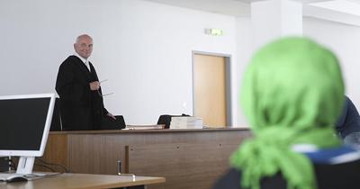 Başörtülü öğretmene Alman mahkemeden veto