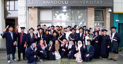 Anadolu Üniversitesi Batı Avrupa Programı diploma töreni