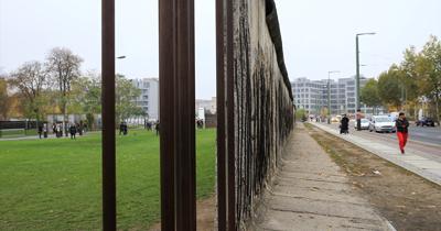 İki Almanya birleşeli 29 yıl oldu