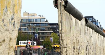 Utanç duvarı yıkılalı 31 yıl oldu