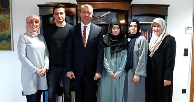 Berlin'de başarılı 2 Türk öğrenciye ödül