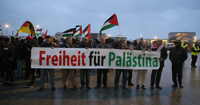 Berlin'de ABD ve İsrail protestosu