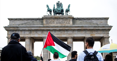 Filistinliler Berlin'de İsrail'i protesto ettiler