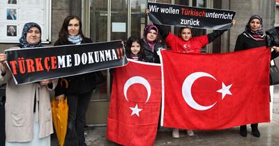 Berlin'de Türkçe dersleri için gösteri