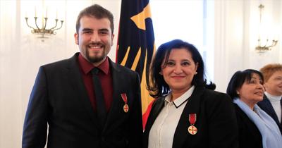 Almanya'dan iki Türk'e liyakat nişanı verildi