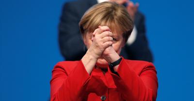 Merkel Fransa'da yılın kadını seçildi