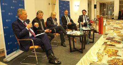 Kassel'de Türk-Alman kimliği konulu açık oturum