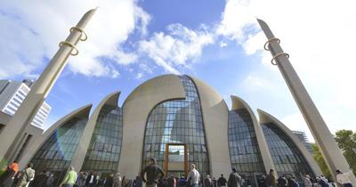 DİTİB Merkez Camisi Köln'ün sembolleri arasında