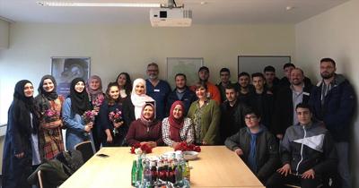 Duisburg'da Türk gençler hastalara moral verdi