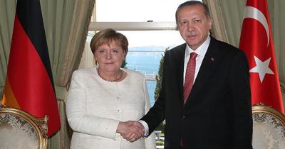 İki lider telefonda Suriye ve Libya'yı görüştü