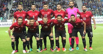 Türkiye futbolda FIFA siralamasinda 42. sıraya düştü