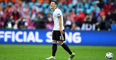Mesut Özil'in ayrılma şekli üzücü