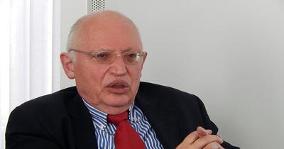 Verheugen uzun vadeli bir Türkiye politikası önerdi