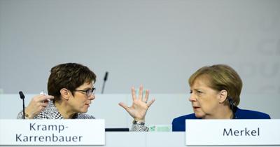 CDU'da liderlik krizi yaşanıyor