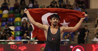 Milli güreşçi Kerem Kemal altın madalya kazandı