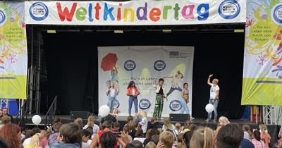 """Köln'de """"Dünya Çocuk Günü"""" etkinliği"""
