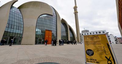 Köln'de hüsnühat sergisi DITIB