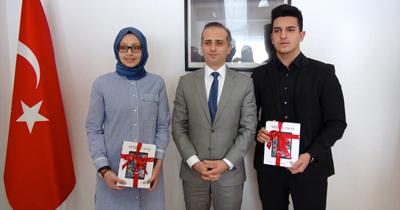 Köln'de liseyi başarıyla bitiren öğrencilere ödül