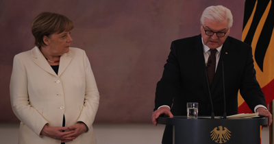 Steinmeier ve Merkel von der Leyen'i tebrik etti