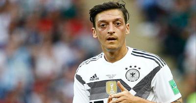 Dünya basını Mesut Özil'in kararına genıs yer verdi