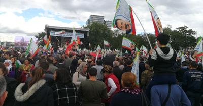 PKK Köln'de yasak olmasina ragmen gösteri yapti