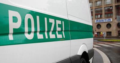 Aşırı sağcılara destek şüphesiyle 4 polis tutuklandı