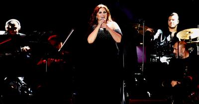Sibel Can Köln'de konser verdi
