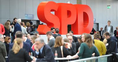 SPD üyeleri koalisyon oylamasına başladı