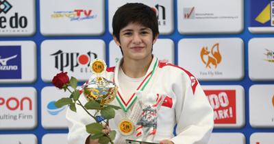 Tuğçe judoda altın madalya kazandı