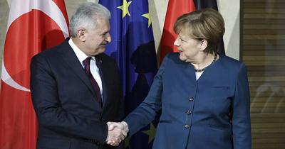 Merkel ile Yıldırım Berlin'de bir araya gelecek